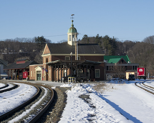 new railroad england urban white snow public station architecture river design vermont village colonial central platform tracks rail railway junction upper amtrak valley cupola restored civic passenger hartford vt excursion 1937 reuse revival wrj necr