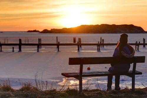 ocean winter sunset sea ice bench göteborg person sweden gothenburg sverige hdr archipelago skärgård styrsö sigma70300mmf456apodgmacro hallsvik canoneos7d