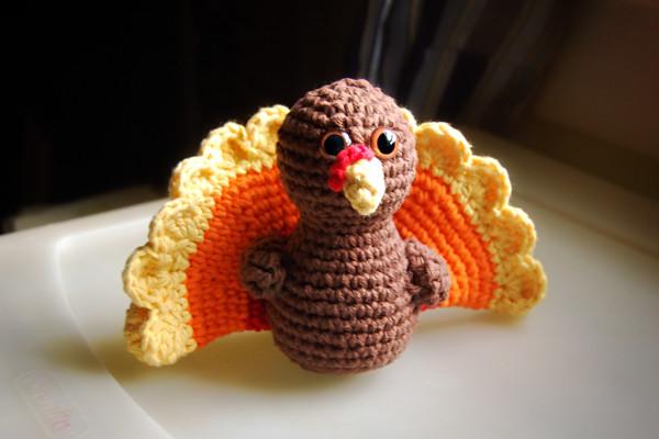 Turkey Amigurumi Pattern - Free Crochet Pattern • Craft Passion   400x600