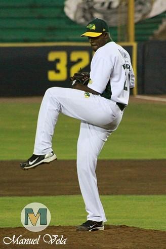 IMG_0608 Pericos de Puebla vs Leones de Yucatán (1er J Serie) Temporada 2012 LMB por Mv Fotografía Profesional –Manuel Vela y Lyz Vega- / www.pueblaexpres.com