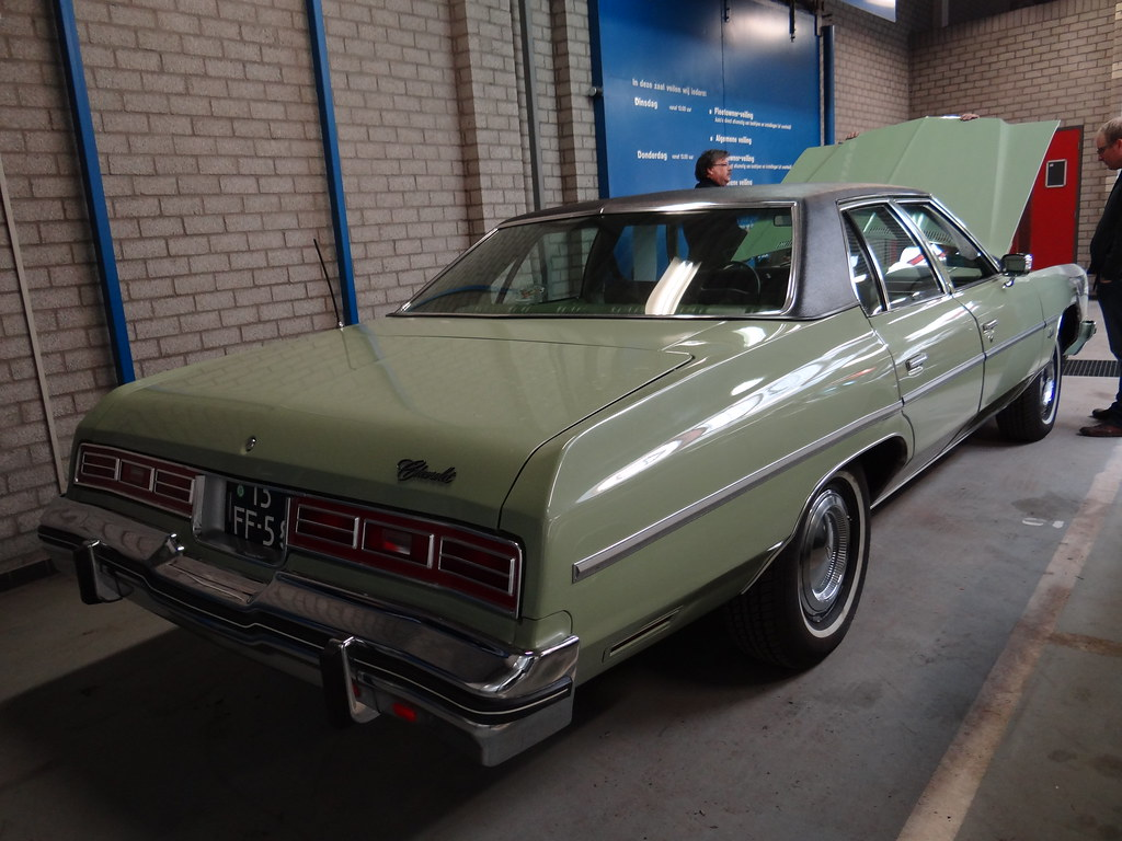 1975 Chevrolet Impala 4 Door Sedan 14 April 2012 Barnevel