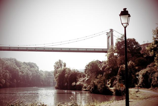 Le pont de la rivière quoi !
