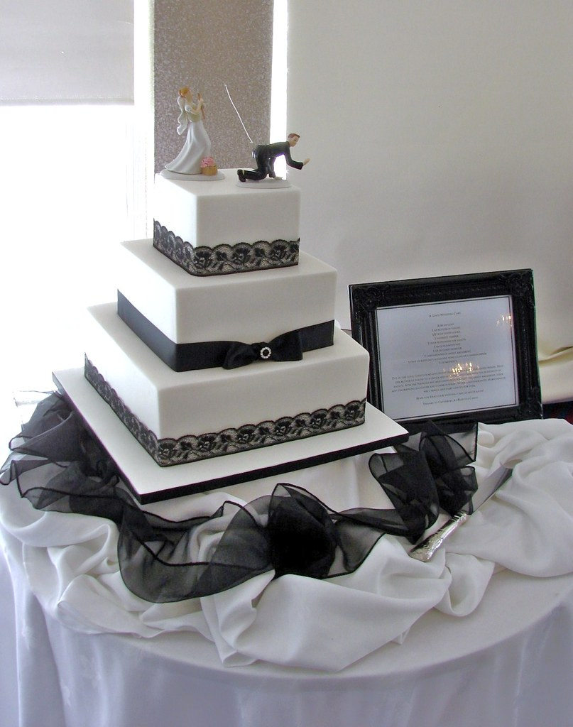 Elegant Black And White 3 Tier Wedding Cake Top Tier Car Flickr