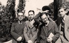 خلال دراسته في باريس - 1936