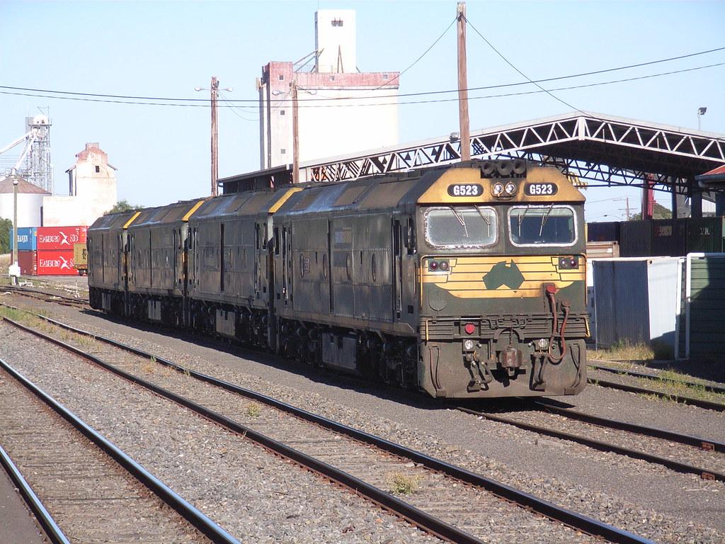 G523, G543, G520 and G522 sit shutdown at Horsham station on a clear Saturday morning by bukk05