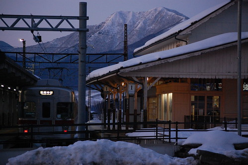railway snow nagano sunset 日本 japan winter train line evening cold drift snowy white dusk yudanaka public