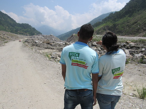 on the road to Sindhupalchowk