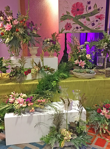 Greenery: Floral Display — Photo Courtesy Sandy Schroeck, AIFD, PFCI, Trend On Design in Eden Prairie, Minnesota, http://www.trendondesign.com/ | by Flower Factor
