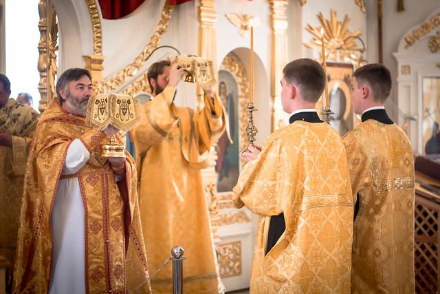 26 июня 2016 года. Богослужение в Неделю 1-ю по Пятидесятнице, всех Святых.