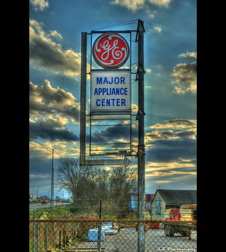 sunset sky sign clouds fence evening nikon tennessee bluesky signage backintheday chainlinkfence ge hdr appliances skywithclouds oldsign 2012 vintagesign oldsignage antiquesign signssigns vintagesignage murfreesborotn itsasign middletennessee d5000 iloveoldsigns hdraddicted jlrphotography photographyforgod nikond5000 worldhdr majorappliancecenter gemajorappliancecenter
