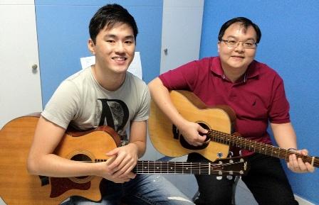 Beginner guitar lessons Singapore Louis