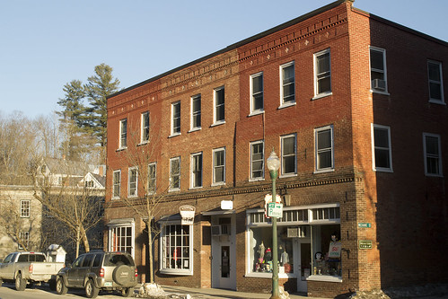 new winter light sunset england urban color building brick shop architecture rural america town vermont different afternoon village small victorian center front tourist commercial elite wealthy expensive woodstock quaint picturesque trap vt photogenic upscale