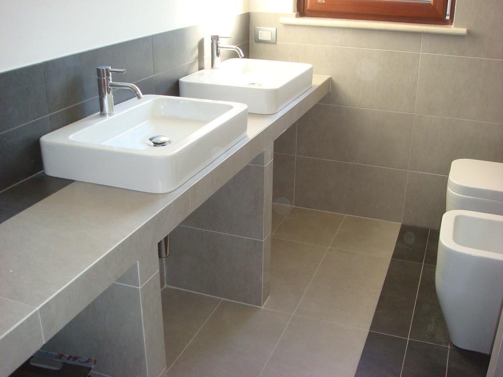 Piano Per Lavabo Da Appoggio lavabi d'appoggio su piano in muratura | morciano | flickr