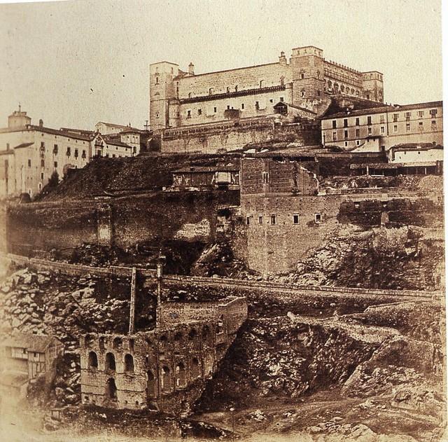 Artificio de Juanelo y Alcázar en 1857. Fotografía de Eugène Sevaistre. Real Biblioteca del Patrimonio Nacional de España.