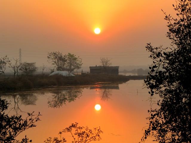 Sunrise at Bhandup Salt panes..