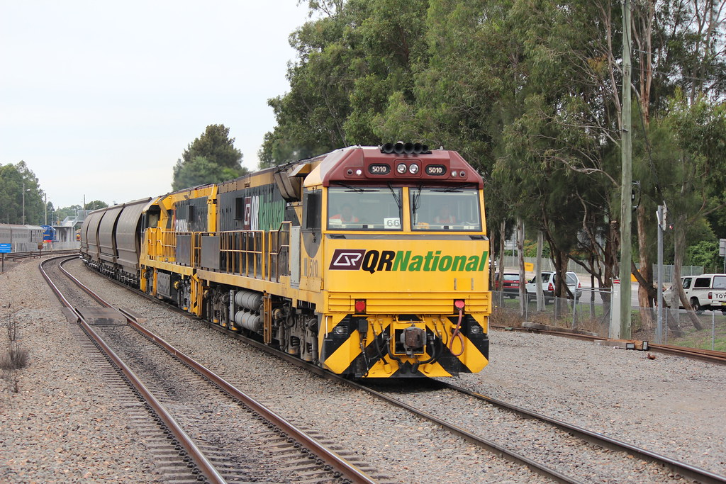 5010 with another 1st Generation 5000 class unit @ Maitland by Nathan Hurn