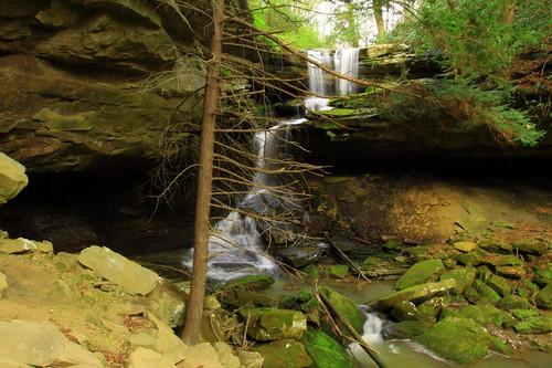 waterfall danielboonenationalforest jacksoncountykentucky fallsofmccammon