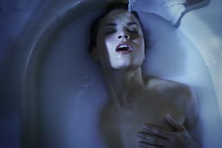 Fluidr / She Runs A Bath by TJ Scott