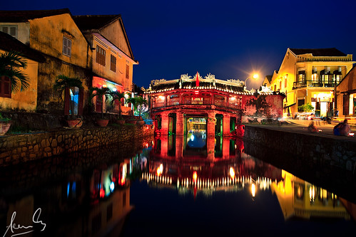 Japanese Covered Bridge Hoi An | by sachman75