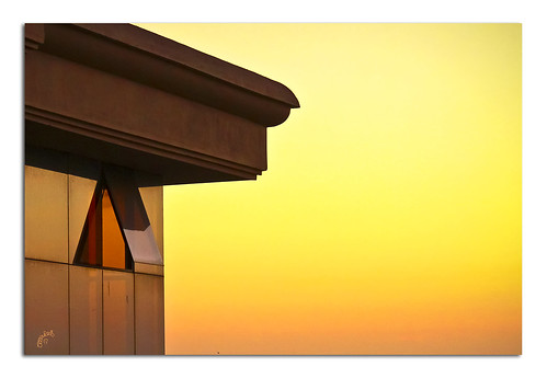 sunset building college window goodbye goodday yabbadabbadoo goldenhue canon600d