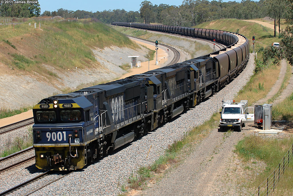 9001, 9033 and 9027 at the Golden Highway by James Brook