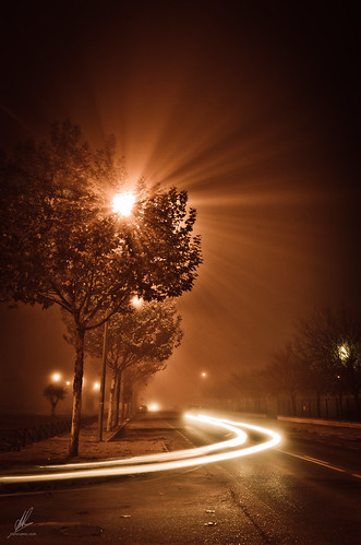 mist car night lights luces noche trails streaks niebla estela