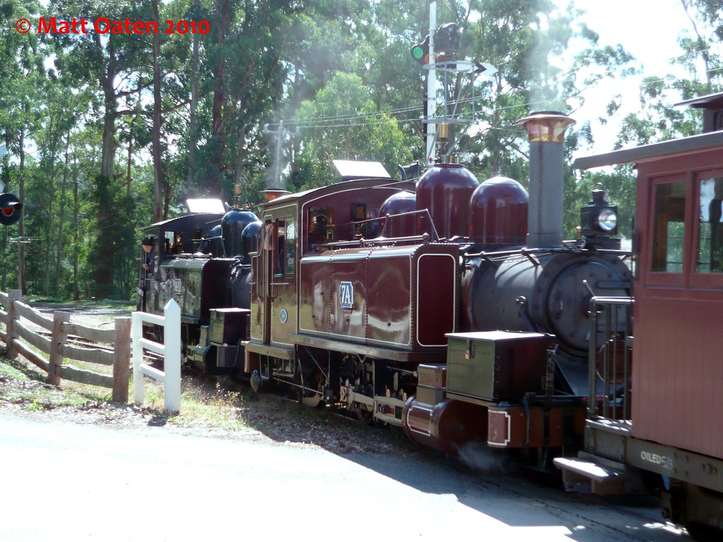 14A and 7A Roll In To Menzies Creek by MattOatenVR