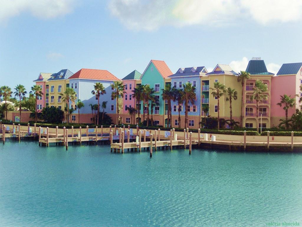 Nassau, Bahamas | Valéria Almeida | Flickr