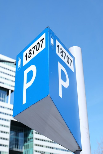 Pay and display machine