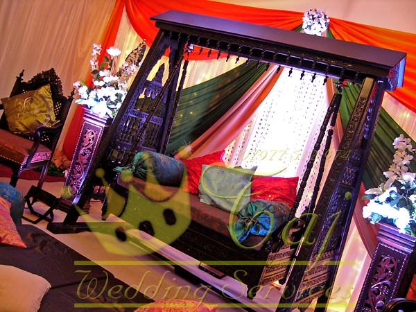 Mehndi Jhoola Swing Orange and Green
