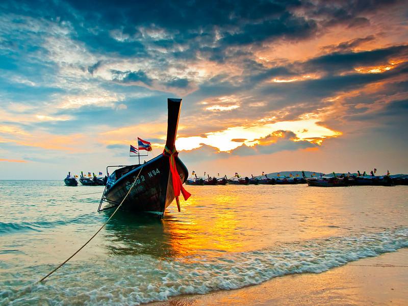 Longboat on the beach / Krabi / Thailand / 27.01.2011