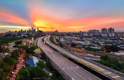light sunset sky panorama cloud photography nikon cityscape slow trails tokina1224 malaysia bluehour kualalumpur dri klcc verticalpanorama exposures lighttrail digitalblending sifoocom d7000 azrudin