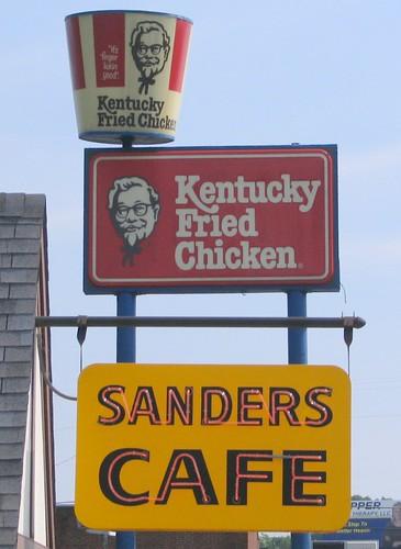 sign restaurant bucket neon kentucky kfc friedchicken corbin sanderscafe us25 us25w harlansanders bmok bmokneon