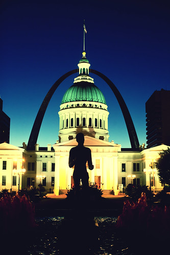sculpture usa architecture sunrise arch unitedstates 10 unitedstatesofamerica stlouis fav20 missouri gatewayarch fav30 stlouisarch oldcourthouse fav10 fav25 superfave