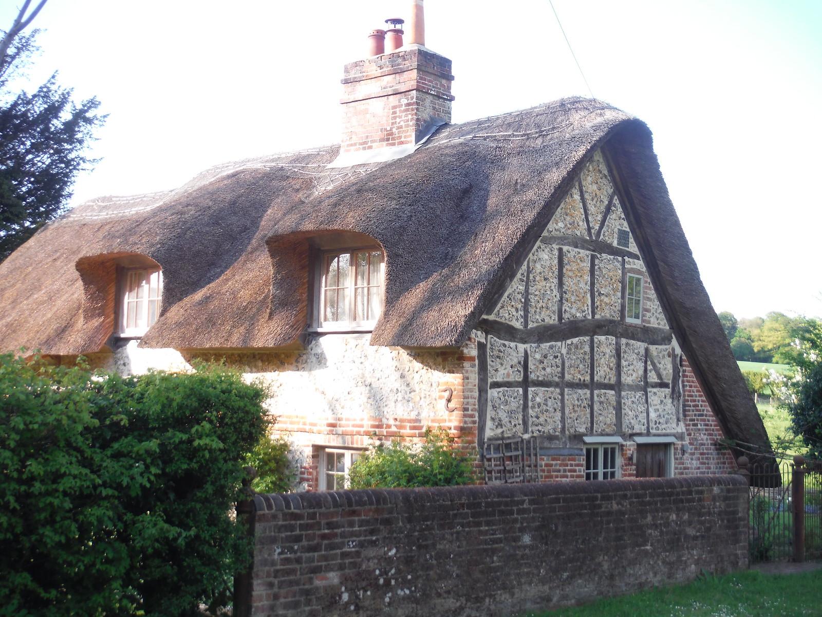 Flint-and-Brick Thatched Cottage, near South Holt Farm SWC Walk Rowlands Castle Circular