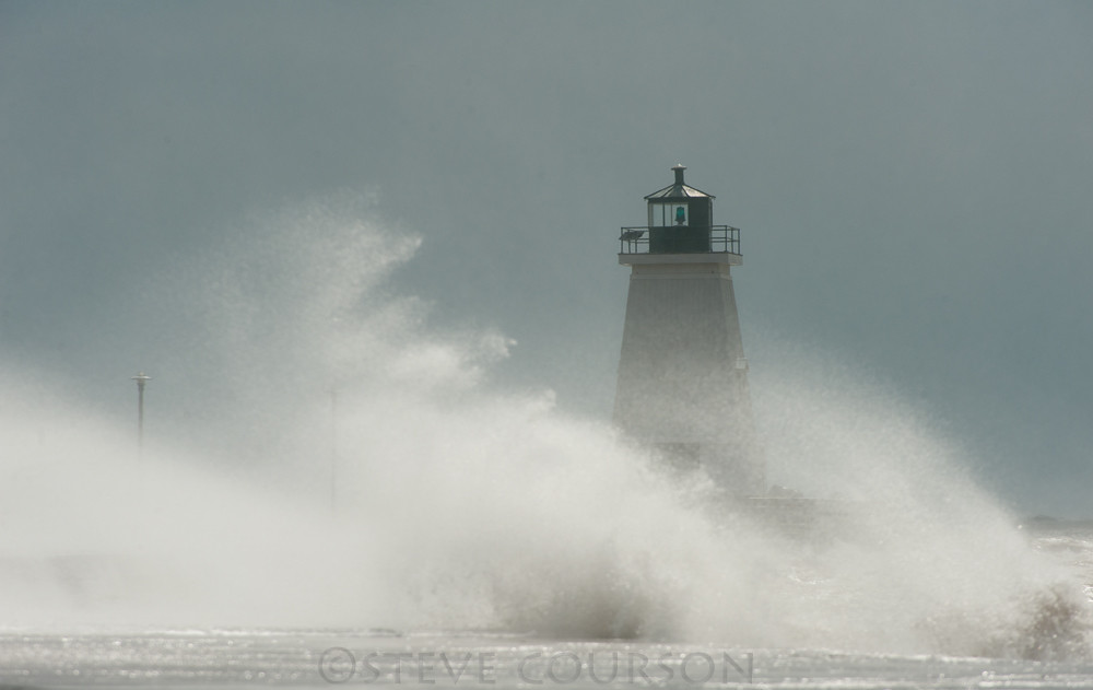 port maitland lighthouse | Lots of wind today from the big f