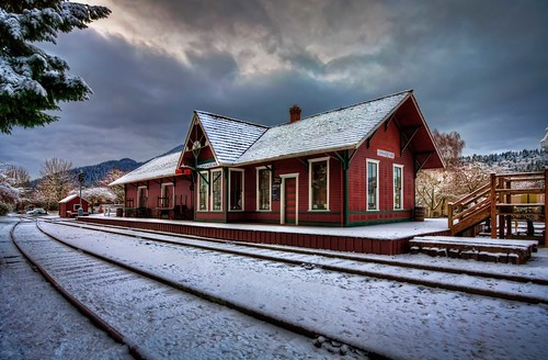 winter snow washington pacificnorthwest hdr issaquah trainstations gilman issaquahtraindepot railroaddepots canonrebelxsi fresnatic photoshopcs5 gilmandepot