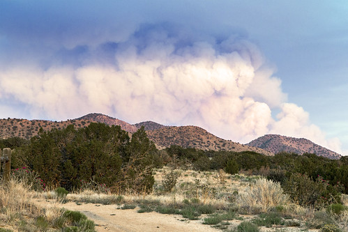 mountain southwest landscape fire desert smoke trail rockymountains sandia plume 6d manzanomountains fourhills grantcondit gecondit sandiamoiuntains