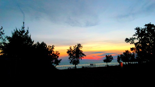 creation lakemichigan sunset beach park twilight lake thegloaming clouds northbeachpark westmichigan michigan 100v10f usa june summer color hue wonderfulworld beautifulearth