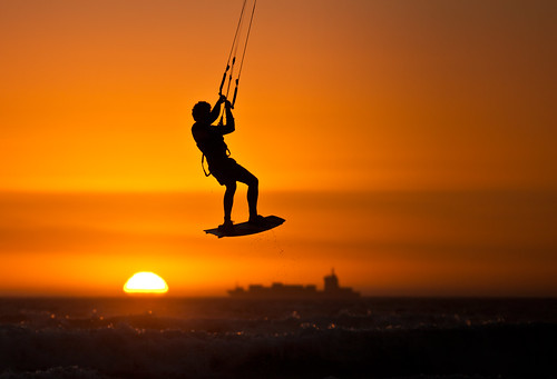 ocean africa sunset sea sun kite color colour detail water silhouette bay town big jump action south horizon kitesurfing atlantic container cape afrika colourful orang dreamcatcher watersport kapstadt kaapstad kitesurfen ozean bloubergstrand atlantischer