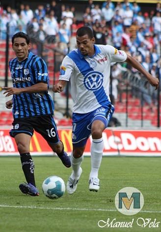 IMG_0221 El Puebla FC derrota 1-0 a Gallos Blancos de Querétaro J13 TC2012 partido disputado en el Estadio La Corregidora por Mv Fotografía Profesional – Manuel Vela / www.pueblaexpres.com