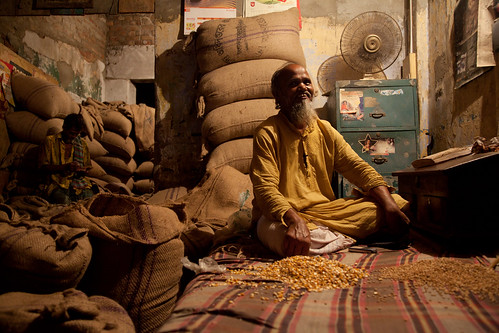 Middleman selling grain and seed in Bangladesh | by CIMMYT