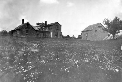 barn duxbury glassplatenegative facey capehouse colonialera wrightbuilding surplusstreet drewarchives