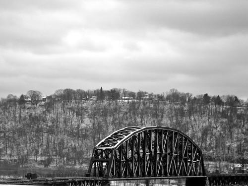 bridge snow train pittsburgh dsc06728 railroadinfrastructure brunotislandrailroadbridge 2012candidate