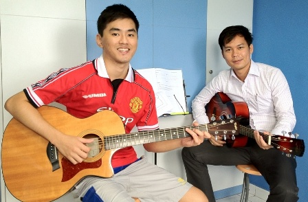 Private guitar lessons Singapore Jaden