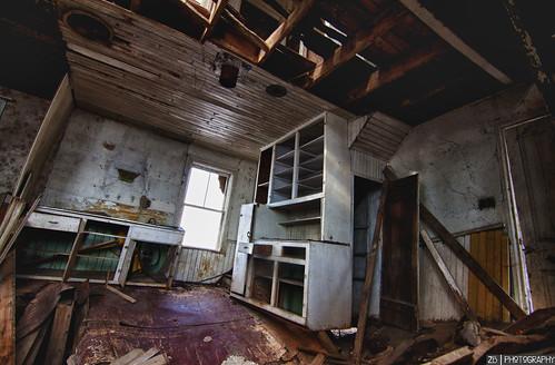 house ontario abandoned zach scary ruins farm ottawa tokina vars 1116 bergamin