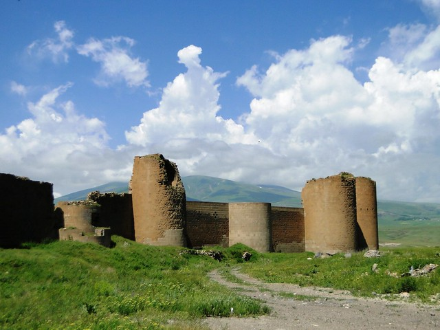 Murallas y torreones de Ani. Antigua Armenia, ahora forma parte de Turquía.