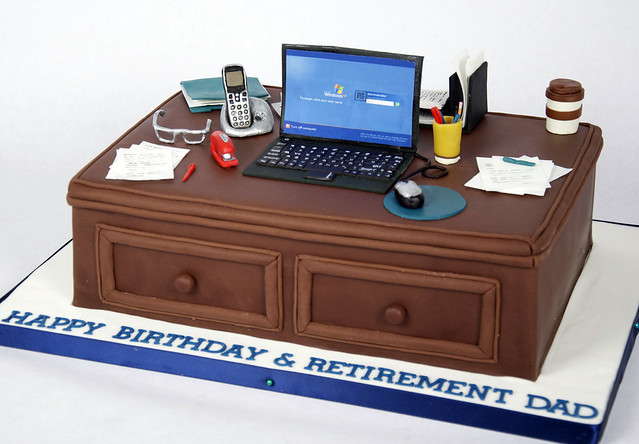BC4046 - computer desk cake toronto