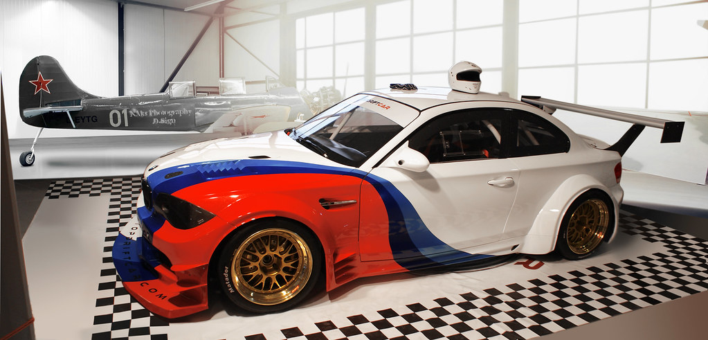 Senkyr Motorsports Bmw 1 Series Gtr Race Car Racing Beast Nikita