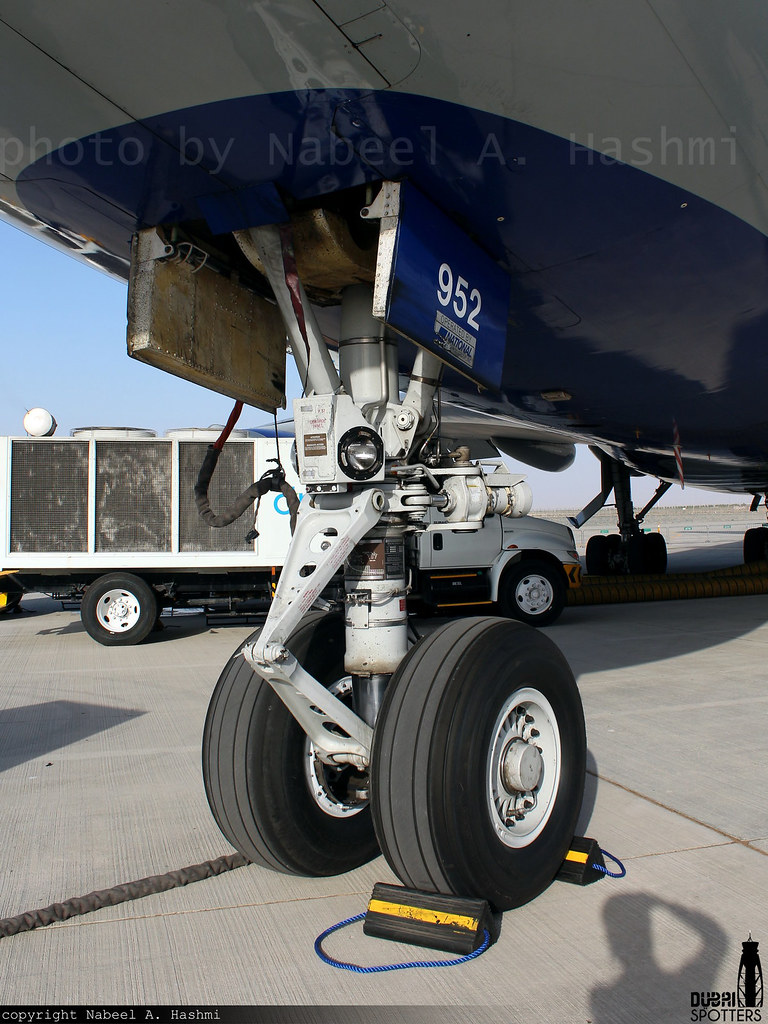 Nose Landing Gear - NLG | National Airlines | Boeing 747-4